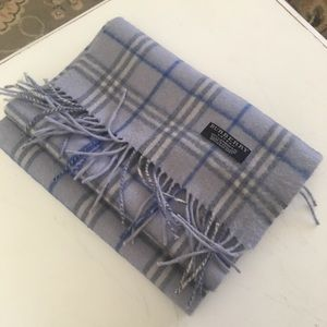 Beautiful full size Burberry scarf